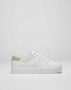 154ab0cbbc8a62 At PULL BEAR we have comfortable trainers for Autumn Winter 2017 for the  modern woman. Try our white