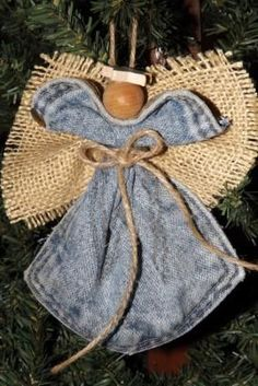 How to Make Angel Ornaments, DIY and Crafts, Jean Pocket Angel More. Christmas Ornaments To Make, Angel Ornaments, Homemade Christmas, Christmas Angels, Christmas Holidays, Christmas Decorations, Christmas 2019, Birthday Decorations, Christmas Trees