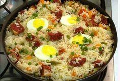 O #arroz Carreteiro é um prato único tradicional, delicioso e que sempre faz o maior sucesso. Aproveite! Veja Também:Arroz de Forno com Frango e Mussarela