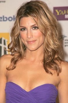 http://media.celebrity-pictures.ca/Celebrities/Jennifer-Esposito/Jennifer-Esposito-i104909.jpg