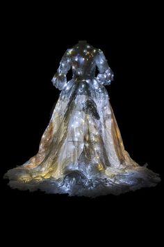 L'Opéra Comique et ses trésors : Cendrillon de Jules Massenet, costume d'Alain Blanchot, 2011