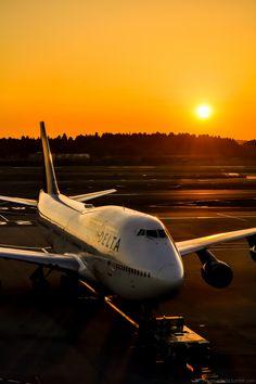 Tokyo, Narita International Airport (NRT/RJAA) / Delta Air Lines B747-400