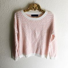 Pink and White Knit Sweater Excellent condition, no flaws! Size medium. Sweaters Crew & Scoop Necks