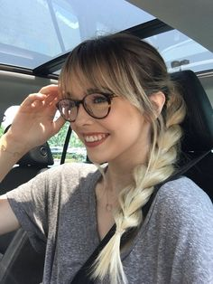 Hair cuts with glasses bangs fringes 69 new Ideas Long Bangs bangs Cuts fringes Glasses Hair ideas Bangs And Glasses, Hairstyles With Glasses, Bad Hair, Hair Day, Cute Bangs, Braids With Shaved Sides, Braids With Extensions, Long Hair With Bangs, Hair Bangs