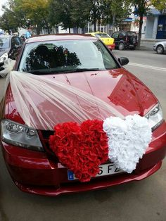 85 Pretty Wedding Car Decorations Diy Ideas Red & White Heart Wedding Cars Ideas In 2019 Wedding Getaway Car, Wedding Day, Bridal Car, Wedding Car Decorations, Wedding Honeymoons, Fake Flowers, Wedding Designs, Wedding Bouquets, Pretty