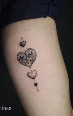 Tattoo feminina girls arm Braço corações heart