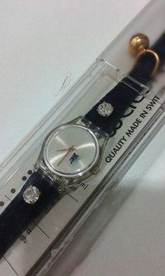 Orologio Swatch collezione BE BRAVE blu in velluto con svarowsky e campanellino per info e contatti w.app 345.1147583 € 18,00