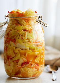 Crunchy, slightly spicy, sweet and tangy, this pickled cabbage is a great accompaniment to meats but can also be had on its own as a substitute for salad. Pickled Cabbage, Cabbage Salad, Canning Cabbage, Spicy Pickled Eggs, Best Probiotic, Probiotic Foods, Dressings, Cabbage Recipes, Russian Recipes