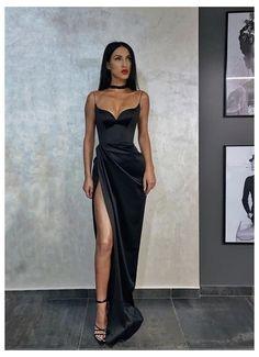 Pretty Prom Dresses, Glam Dresses, Elegant Dresses, Cute Dresses, Beautiful Dresses, Fashion Dresses, Black Prom Dresses, Satin Dresses, Long Fancy Dresses