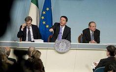 """Renzi varata la """"legge di fiducia"""" Matteo Renzi, il premier contento per il buon risultato ottenuto con la legge di Stabilità o come la chiama lui la legge di fiducia. Manovra corposa e interessante, una manovra da 27/30 miliardi di e #leggestabilita #renzi #italia #economia"""