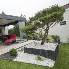 Création de terrasse en Padouk et de massifs avec Niwaki - Hydrangea Landscaping, Modern Landscaping, Front Yard Landscaping, Hydrangea Garden, Outdoor Garden Lighting, Outdoor Plants, Outdoor Gardens, Outdoor Decor, Modern Gazebo