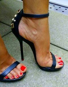 Heels and sexy toes.