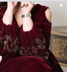Velvet Pakistani Dress, Pakistani Dress Design, Pakistani Dresses, Modern Hijab Fashion, Muslim Women Fashion, Couture Dresses, Fashion Dresses, Mode Turban, Hijab Evening Dress