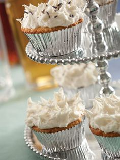 9 variations of booze-infused #cupcakes (mint julep cupcakes, cosmo cupcakes, and more) #recipe #dessert