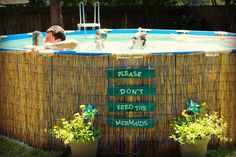 Confira um jeito fácil rápido e barato de como fazer uma piscina de paletes, com várias fotos e um passo a passo bem explicado. Refresque-se neste calor!