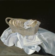 Salvador-Dali-The-Basket-of-Bread-1926 Oil on panel / 33 x 31,8 cm / The Salvador Dali Museum, St. Petersburg, Florida