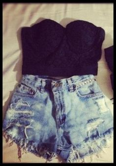 High waisted denim shorts, bustier and booties. I hve all of these items-therefore i shall find a reason to wear tthis outfit. Fashion Killa, Look Fashion, Teen Fashion, Womens Fashion, Fashion Trends, Fashion Ideas, Mode Swag, Looks Style, My Style