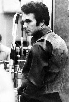 Listen to music from Merle Haggard like Mama Tried, Okie from Muskogee & more. Find the latest tracks, albums, and images from Merle Haggard.