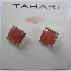 ❤️NWT Tahari beautiful unique earring ❤️ Perfect for mothers day Tahari Accessories