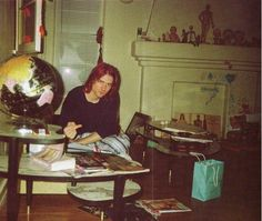 Magazine Compilation: Kurt Cobain's Los Angeles Apartment Nirvana Kurt Cobain, Kurt Cobain House, Rude Finger, Rock N Roll, Nirvana Songs, Los Angeles Apartments, Kurt And Courtney, Donald Cobain, New Romantics