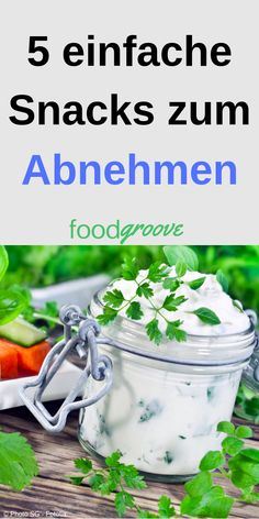 5 einfache Snacks zum Abnehmen There is often a lack of time to prepare healthy and delicious food. If you want to lose weight successfully, it is essential that you know some simple recipes that will help you to quench… Continue reading → Healthy Recipes, Low Carb Recipes, Diet Recipes, Healthy Snacks, Easy Snacks, Easy Meals, Exercise Fitness, Slim Diet, Food Diary