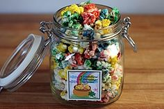 This is an easy way to make delicious, sweet colored popcorn. The color and flavor get cooked onto the popcorn as it pops in the microwave. Easter Trail Mix, Cooking Popcorn, Rainbow Popcorn, Colored Popcorn, Liquid Food Coloring, Popcorn Gift, Snacks To Make, Great Desserts, Delicious Desserts