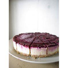Low blueberry mascarpone cheese cake | raw food ingredients mail order LLMP
