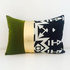"""Decorative Pillow Cover 13""""x18"""" Lumbar Cushion Black and White Oregon Wool Aztec Arrow Motif Vintage Moss Green Gold Faux Leather Modern"""