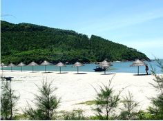 Welcome to the beauty of Hoi An beach!  The beach is the ideal place for us to walk side by side!  Google Image Result for http://www.greentrail-indochina.com/images/gallery/vietnam_beach_leisure_tours/danang-beach-extension/P4V79T84.jpg