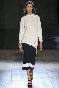 Victoria Beckham ready-to-wear spring/summer '15 gallery - Vogue Australia