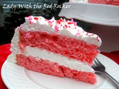 2 ingredient Strawberry cake using only boxed cake mix and diet 7-up (and frosting, optional)
