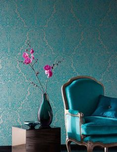 £58.59 Price per roll (per m2 £8.58), Baroque wallpaper, Carrier material: Paper-based wallpaper, Surface: Smooth, Look: Matt pattern, Iridescent base surface, Design: Baroque damask, Basic colour: White gold, Pattern colour: Turquoise blue, Characteristics: Lightfast, Wet removable, Paste the wallpaper, Water-resistant