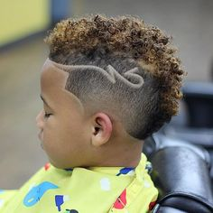 Trends often disappear as soon as they come when it comes to african american boys haircuts. Many are often displeasing, with a few catching the eye and remaini Mixed Boys Haircuts, Boys Haircuts Curly Hair, Boys Haircuts With Designs, Boys Curly Haircuts, Boys Haircut Styles, Kids Hairstyles Boys, Black Boys Haircuts, Toddler Haircuts, Little Boy Hairstyles