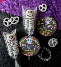 No Bones About It—You're a Sweet Friend: Marshmallow and Pretzel Skeletons - Just Add Confetti - marshmallow and pretzel skeletons, no bones about it, Just Add Confetti, free printable, day of the - Dulces Halloween, Soirée Halloween, Halloween Treats For Kids, Halloween Goodies, Holidays Halloween, Halloween Decorations For Kids, Halloween Baskets, Spooky Treats, Halloween Birthday Parties