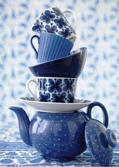 ᙖҽąմ৳ἶƒմℓ ᙖℓմҽ & ฬɧἶ৳ҽ Ꮳɧἶɳą & Ƥσ৳৳ҽɽƴ ~ ♥ Blue and White Tea ♥                                                                                                                                                      Mais