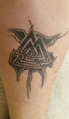 Norse symbols google zoeken pinterest for Valknut symbol tattoo