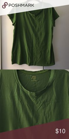 Basic top Olive top basic tee Apt. 9 Tops Tees - Short Sleeve