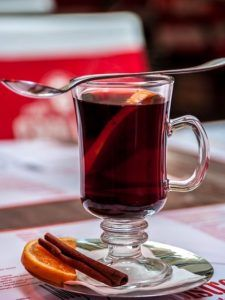 it is a tradition in the holiday season to drink the German Mulled Wine Gluhwein or Glühwein in German. Red wine that is warming - Authentic recipe Christmas Cocktails, Holiday Drinks, Fun Cocktails, Cocktail Recipes, Wine Recipes, Christmas Parties, Easy Recipes, Fall Drinks, Christmas Time