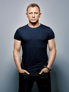 Daniel Craig Workout Routine and Diet: How to train like James Bond - daniel craig workout 1 - James Bond Daniel Craig, Daniel Craig Style, Tanzstudio Design, Daniel Craig Workout, Daniel Graig, Look Fashion, Mens Fashion, James Bond Style, Style Masculin