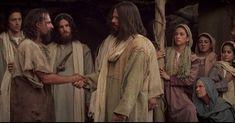 """""""Quem não está comigo está contra mim. E quem não recolhe comigo dispersa.Jesus(Lc 1123) O Senhor é nosso Deus e nós somos seu povo. Ele enviou seu Filho ao mundo para libertar-nos do poder opressor. Agradecidos por tão grande dom deixemo-nos conduzir por sua mão. Por meio dos profetas e sobretudo de seu Filho o Senhor nos índica o caminho da felicidade. Abramos o coração para acolher a sua mensagem de vida e libertação. Evangelho (Lc 1114-23)  O Senhor esteja convosco.  Ele está no meio de…"""