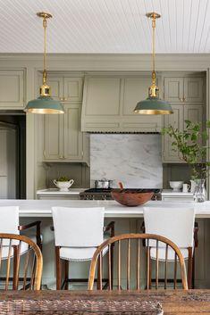 Kitchen Interior, Kitchen Design, Kitchen Ideas, Interior Plants, Kitchen Trends, English Cottage, Urban Electric, Piece A Vivre, Layout