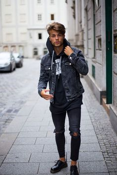 Are you into dapper outfits and amazing style? Street style inspiration from basic to classic.