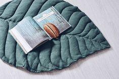 Stylish mat in natural style in the form of a sheet. He can serve as a rug for a child or be used as a bedside rug in his bedroom. For active games and lazy tranquility, for beautiful frames and just about anything. The front side of the sheet is made in different colors, which