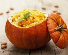 SupermarketGuru - Steal This Recipe® Pumpkin & Gorgonzola Risotto with Amaretto Powder Baked Pumpkin, Pumpkin Recipes, Stuffed Pumpkin, Halloween Food Dishes, Pumpkin Health Benefits, What Pumpkin, Pumpkin Risotto, How To Cook Mushrooms, Fall Dishes