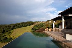 Deslumbrantes: 20 piscinas pelo Brasil em que você vai querer mergulhar