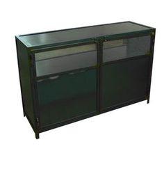 Armario industrial Vielha acabado en color hierro negro con 3 estantes de hierroy dos puertas de hierro y rejilla metalica, mueble a medida , medidas 120x40 altura h-80.
