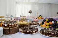 Aranjament candy bar Catering, Deserts, Candy, Bar, Table Decorations, Home Decor, Sweet, Toffee, Decoration Home
