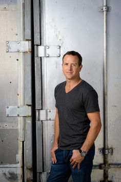 Bestselling Author Hugh Howey on Life, Books and Success