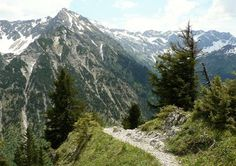 Descent from the Strausberg to the Straussattel, view to the Rotspitze and Nebelhorn (right flat mountain) – Hiking information: pagewizzcom / … The post Allgäu half day tours Oberstdorf Sonthofen Hindelang appeared first on Woman Casual - Camping Camping And Hiking, Outdoor Camping, Outdoor Travel, Backpacking, Mountain Hiking, Nightlife Travel, Culture Travel, Day Tours, Asia Travel