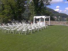 Chuppa zu mieten für Jüdische Hochzeit, hier im Schloss Maria Loretto in Klagenfurt, bei Familie Kulterer von Feine Küche Kulterer. Chuppa, Klagenfurt, Dolores Park, Travel, Event Management, Jewish Weddings, Outdoor Camping, Viajes, Destinations